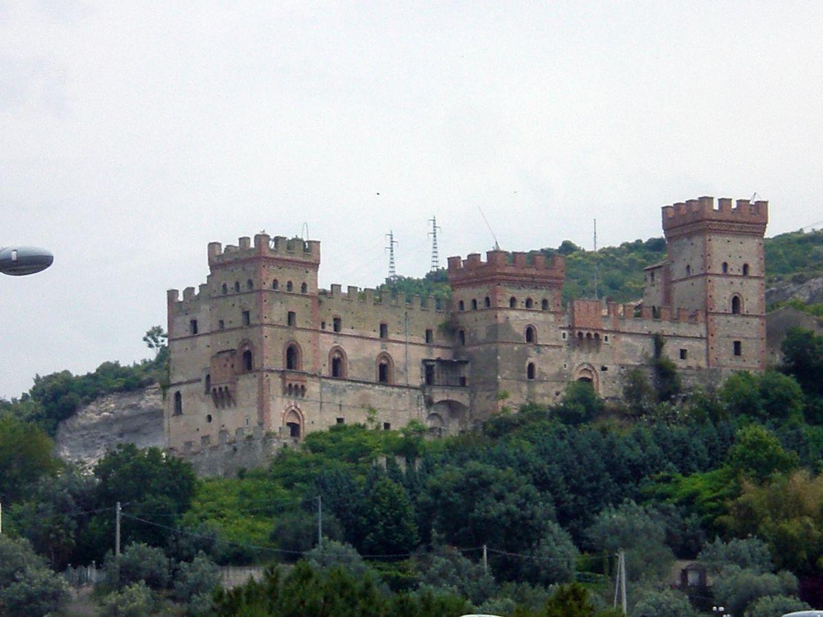 Castelluccio tenuta il pilaccio nel cilento for Case abbandonate italia
